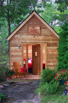 Build this cedar bunkie (click photo for the plans) - idea for outdoor Atelier?