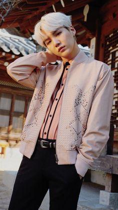 Hot Suit, Min Suga, Kpop, Bts Pictures, White Hair, Boyfriend Material, Bts Wallpaper, Taekook, Hoseok