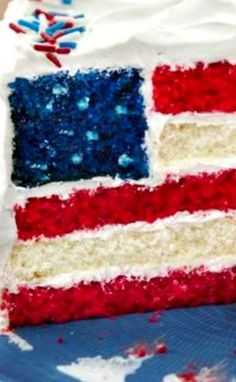 Red, White and Blue Layered Flag Cake ~ Celebrate with a show-stopper cake!