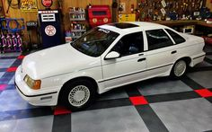 America's Answer: 1990 Ford Taurus SHO - http://barnfinds.com/americas-answer-1990-ford-taurus-sho/