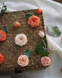 New type Rose. Bean paste flower.  새로운 신종 앙금 장미꽃 . . . www.vivi-cake.com…