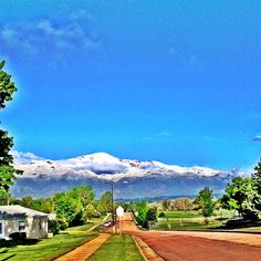 Pikes Peak after it gets snowed on. Snow in May? Yep, this is Colorado Springs! Photo by @dirtemonkey on Twitter today. More pics on Facebook (where I hope you'll like our page!) https://www.facebook.com/SpringsTourism
