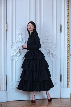 FALL '18 — Yulia Prokhorova. Beloe Zoloto Skirt Fashion, Hijab Fashion, Fashion Dresses, Women's Fashion, Cute Dresses, Prom Dresses, Formal Dresses, Fashion 2018 Trends, Russian Fashion