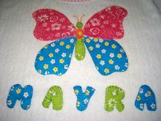 camiseta decorada con aplicaciones en tela aplique mariposa