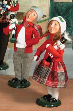 I love Byers Choice Carolers--I have a nice size collection and hope to add to it soon,