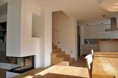 Esszimmer Küche mit Kamin: Modern Esszimmer von Neugebauer Architekten BDA
