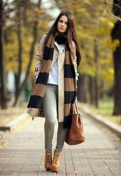 Convient Fall Fashion Ideas for Working Women (38)