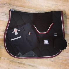 Horse Supplies, Saddle Pads, Show Jumping, Horse Breeds, Show Horses, Clothes Horse, Bordeaux, Equestrian, Cocktail