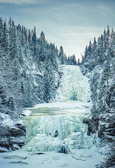 Storfossen & Mettifossen Falls in Malvik Kommune, Norway | Photo by Helena Normark | snowzine.com