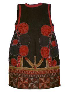 Handmade Design, Handmade Crafts, Folk Costume, Costumes, Historical Costume, Tribal Art, Traditional Outfits, Handicraft, Textiles