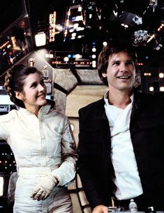 Carrie Fischer and Harrison Ford. Harrison Ford, Aliens, Star Wars Cast, Han And Leia, Star Wars Pictures, Black And White Love, Star Wars Wallpaper, Arte Horror, Carrie Fisher