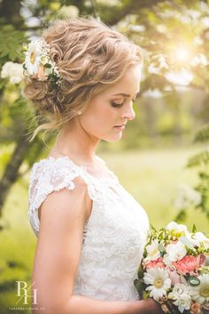 #weddingdress #bride #weddingphotography Girls Dresses, Flower Girl Dresses, Lace Wedding, Wedding Dresses, Wedding Hairstyles, Wedding Photography, Flowers, Weddings, Fashion