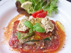 Homemade tofu pizza with avocado & hummus! #zucchini #garlic #vegan #organic #glutenfree #food #Oliveoil