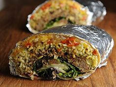 Ramenito (Ramen Burrito) - This burrito has everything: ramen, chicken, spam, eggs and more. Ramen Burrito Recipe, Ramen Noodle Recipes, Ramen Noodles, Burritos, Chef Dishes, Main Dishes, Food And Beverage Industry, Homemade Ramen, Eating At Night