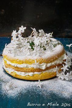 Burro e Miele: Torta del mio giardino (pan di spagna con crema di labne infusa al gelsomino)