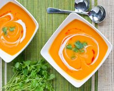 Recette facile de potage de patates douces! Spicy Sweet Potato Soup, Cooking Tips, Cooking Recipes, Vegetarian Recipes, Healthy Recipes, Curry, Food Porn, Food And Drink, Favorite Recipes