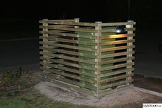 Outdoor Sheds, Jenga, Outdoor Projects, Diy, Insect Hotel, Bricolage, Do It Yourself, Homemade, Diys
