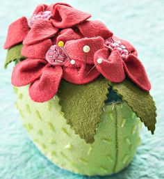 DIY Pincushion Patterns: Adorable Wool Flower Pincushion