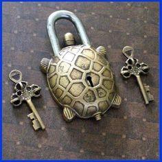 Tibetan Turtle Lock Very cool keys with a bonus of a turtle!!