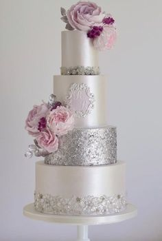 Featured Wedding Cake: Cotton & Crumbs; www.cottonandcrumbs.co.uk; Wedding cake idea. #WeddingCakeRecipes