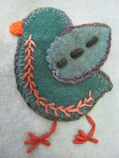 A Sue Spargo bird. I love her stitchery. Bird Crafts, Felt Crafts, Wool Embroidery, Embroidery Stitches, Fabric Art, Fabric Crafts, Wool Fabric, Felted Wool Crafts, Wool Quilts