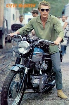 Steve McQueen style, cars, motorcycle, and more. Steve Mcqueen Triumph, Steve Mcqueen Motorcycle, Steve Mcqueen Le Mans, Actor Steve Mcqueen, Steve Mcqueen Style, Triumph Motorcycles, Indian Motorcycles, Cool Motorcycles, Vintage Motorcycles