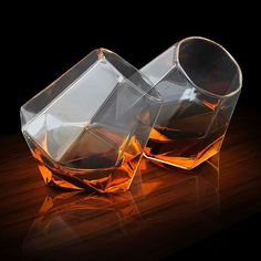 Set of 2 Diamond-Shape Whisky Glasses   GettingPersonal.co.uk