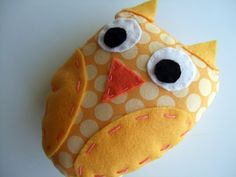 No pattern here but this looks easy enough to just whip up without one.....and I do love my owls.