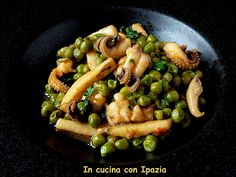 Seppie con piselli in bianco Calamari, Black Eyed Peas, Kung Pao Chicken, Pasta Salad, Seafood, Cooking, Ethnic Recipes, Italian Cooking, Dinner