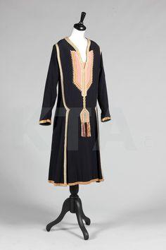 Paul Poiret navy wool day dress 'Persique', Autumn-Winter, 1925, labelled 'Paul Poiret à Paris'.