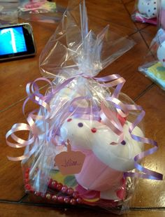 Cupcake Goodie Bags Cupcake Birthday, Goodie Bags, Bird, Birds, Birthday Cupcakes, Goody Bags