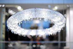 LOOOP Crystal pendant lamp by Manooi #Manooi #crystalchandelier #chandelier #lighting #design #Looop #luxury #furniture