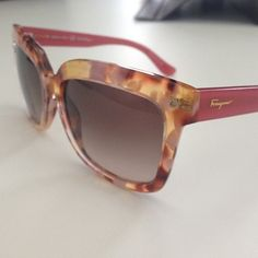 ffbdc91f383 Our editor Ana fell in love with these  ferragamo sunnies! Can t say