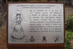Placa grabada sobre acero inoxidable sobre soporte de acero cortén.  San Andrés (Santa Cruz de Tenerife)  Tertulia Amigos del 25 de Julio Ayuntamiento de Santa Cruz de Tenerife Gobierno de Canarias