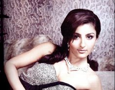 Soha Ali Khan adorning Jet Gems jewelry! #celebrity #actress #SohaAliKhan #diamond #necklace #earring #designs #jewelry #ornaments #exclusive #exquisite #beautiful #gorgeous #bollywood #royal
