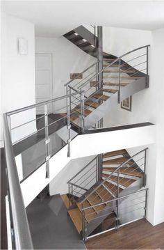 escalier structure m tallique limon central avec marches. Black Bedroom Furniture Sets. Home Design Ideas