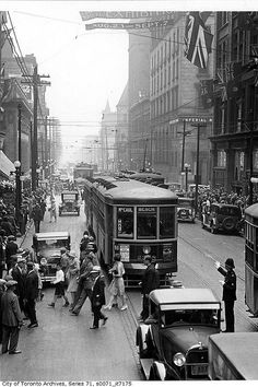 Toronto, Queen Street, east from James Street Photographer: Alfred Pearson August 1929 Old Pictures, Old Photos, Jamaica, Puerto Rico, Toronto Ontario Canada, Trains, Bonde, Equador, Canadian History