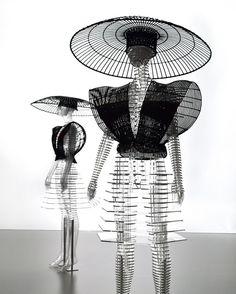 tokujin yoshioka crafts transparent body installation for issey miyake exhibition in tokyo Fashion Installation, Installation Art, Art Installations, Issey Miyake, Fashion Art, Fashion Design, High Fashion, Black N White Images, Vogue