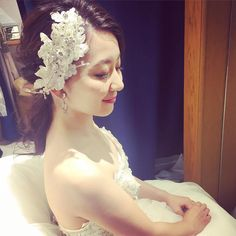 大人シンプルなブライダルヘア♡♡ #rumi_ヘアアレンジ Purple Wedding, Wedding Day, Wedding Tiara Hairstyles, Hair Arrange, Hair Setting, Down Hairstyles, Flower Crown, Bridal Hair, Natural Hair Styles