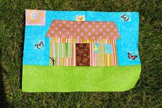"""This is my house block for Lynette, for our F & F Quitling bee. She had the month of July, but sent out her fabric early. Her request was for a house and person block similar to the ones on the """"Burbs"""" quilt in the book, """"Material Obsession"""" by Kathy Soloha.vn chuyên cung cấp sản phẩm giấy dán tường đẹp Hàn Quốc giá rẻ:  http://soloha.vn/giay-dan-tuong-han-quoc.html"""