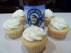Winter Woodchuck Cupcakes | Cupcakes for Dinner
