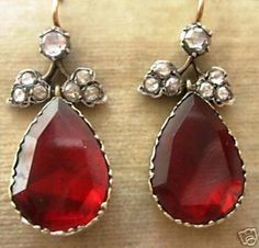 GEORGIAN DIAMOND GARNET LONG EARRINGS - 1200€ !