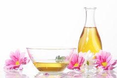 Besarkan Payudara Dengan Khasiat Minyak Bijan | http://www.wom.my/kesihatan/petua-pemakanan/khasiat-minyak-bijan/