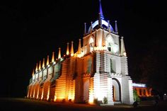 20 Most Beautiful Churches Around The World: A Church In Goa, India Around The World In 80 Days, Places Around The World, Around The Worlds, Crazy Beach Party, Beautiful World, Beautiful Places, Beautiful Pictures, Luxury Beach Resorts, Houses Of The Holy