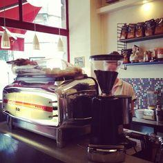 Moka  Catégorie : Café et thé   Rue Des Riches Claires 5  1000 Bruxelles  Quartiers: Centre-Ville, Bruxelles, Dansaert