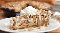 Cinnamon Roll Dutch Apple Pie-- Use cinnamon rolls for the pie crust, Yumm