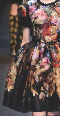 Dolce and Gabbana Fall 2012 >Don't usually go for floral. But I could for this one.