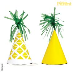 A pineapple party is a perfect summer party theme! Pineapple Party Ideas, plus affordable pineapple party decor and supplies. Pjmask Party, Diy Party Hats, Aloha Party, Elmo Party, Fruit Party, 21st Party, Mickey Party, Dinosaur Party, Summer Party Themes