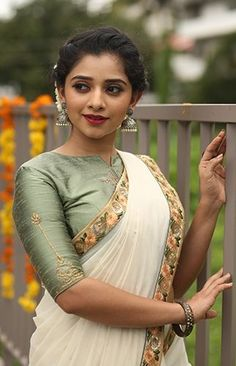 Buy saree and blouses online in india at cheapest price. Shop designer wedding saree, cotton saree, chiffon saree, bollywood saree with all new blouse designs. Kerala Saree Blouse Designs, Saree Blouse Neck Designs, Fancy Blouse Designs, Saree Blouse Patterns, Traditional Blouse Designs, Stylish Blouse Design, Saree Models, Designer Blouse Patterns, Elegant Saree