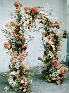 Hart Floral and Floraison flower class in Paris Deco Floral, Floral Arch, Floral Design, Floral Backdrop, Wedding Arbors, Wedding Ceremony Backdrop, Diy Wedding Decorations, Ceremony Decorations, Floral Wedding